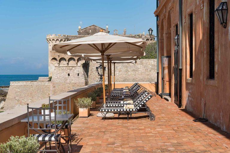 A patio at La Posta Vecchia. STEFANO SCATÀ